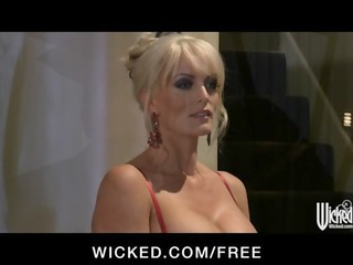 sexy blonde milf stormy daniels gets drilled hard
