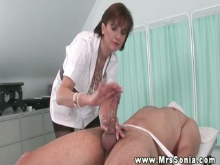 kiny nurse lady sonia jerks off patient