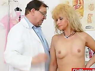 mama receives a great gyno checkup