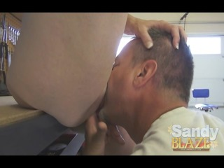 Guy buts his load all over amateurs face