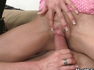 Daddy likes to have it with mom and daughter